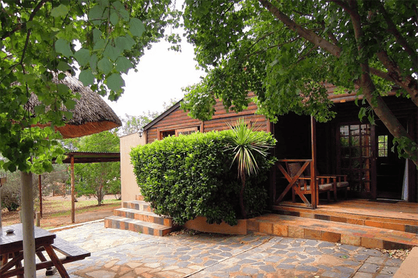 Outside area at Nullarbor Cottages